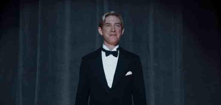 Domhnall Gleeson plays Alan Milne - Goodbye Christopher Robin Review