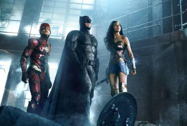 Our heroes come together to fight someone really bad! - Justice League Review