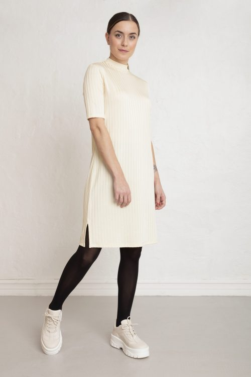 Moon rib dress in color white sand