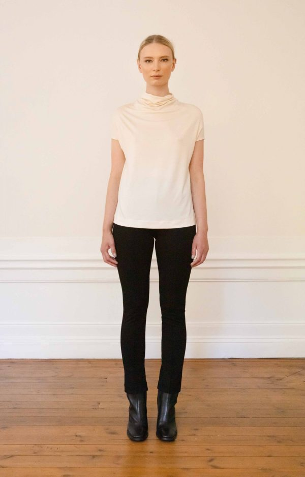 Luca tencel top white with Lou Ecovero straight pants black