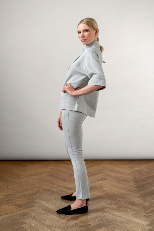 Lou Ecovero Pant Grey Melange and ems ecovero collar top Grey melange from the side