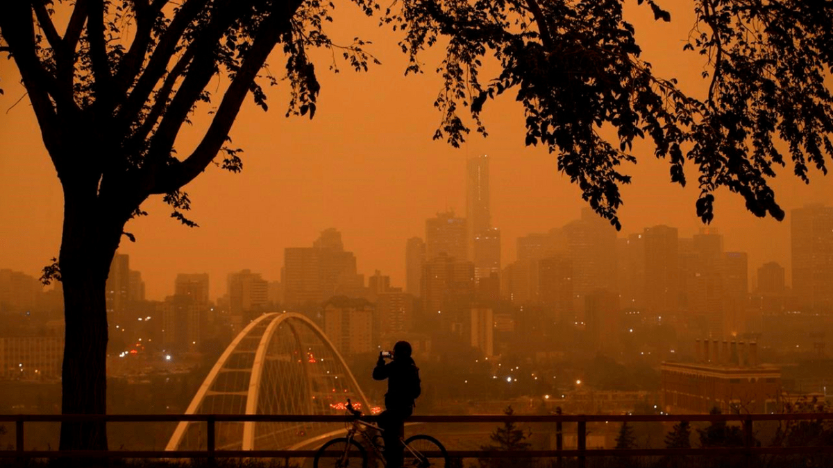 Smoke gets in their eyes: British Colombia wildfires to impact air quality for rest of August