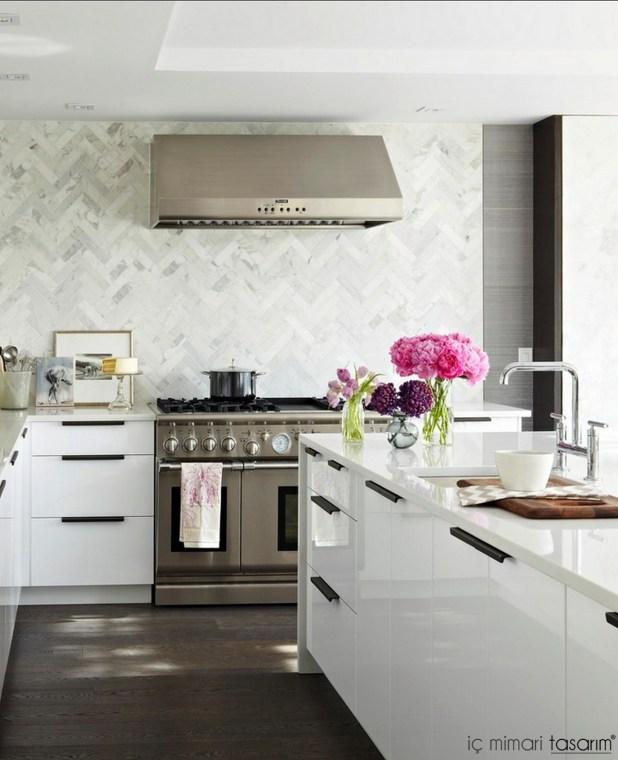 Mozaik-Ahşap-Duvar Kağıtlarıyla-Mutfak-Tasarımları (27)