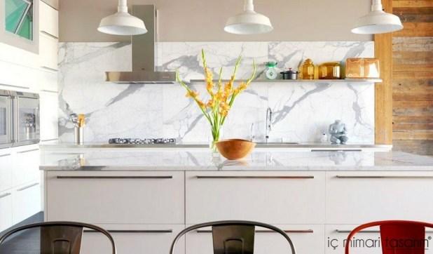 Mozaik-Ahşap-Duvar Kağıtlarıyla-Mutfak-Tasarımları (34)