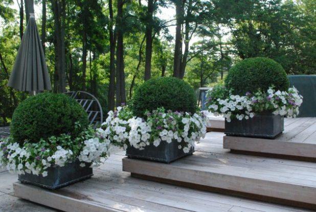 Çiçek Saksılarıyla İlhan Verici Dekorasyon Fikirleri (19)