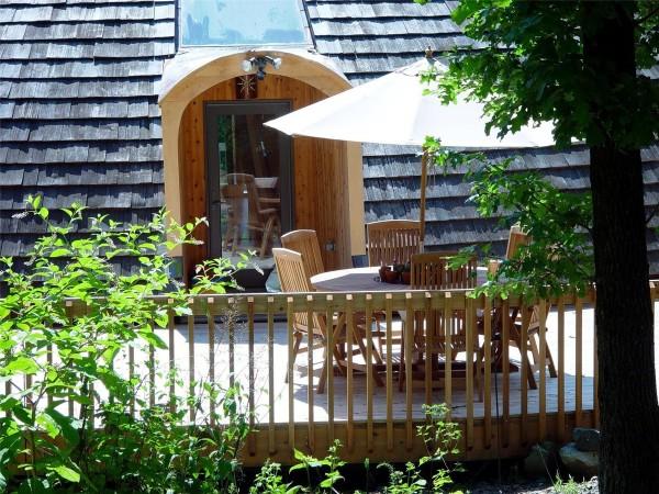 wood-railing-outdoor-600x450