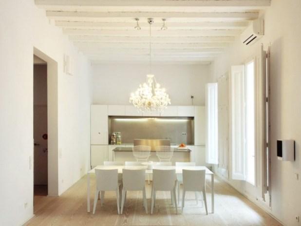 barselonada-500-yillik-bir-evin-modern-yasama-carpici-donusumu-10
