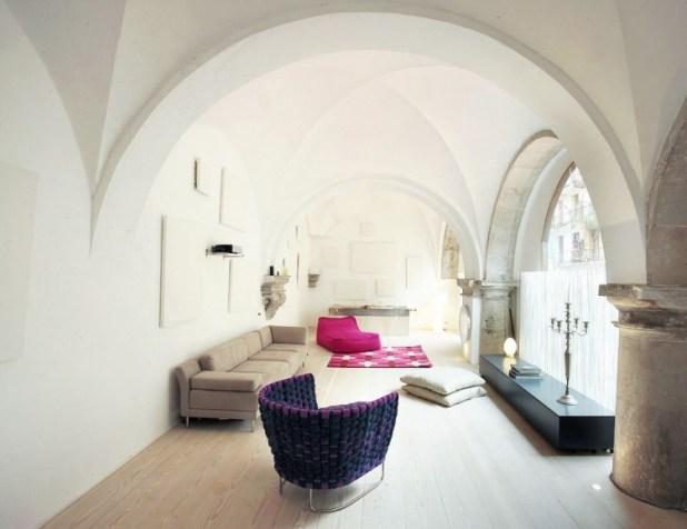 barselonada-500-yillik-bir-evin-modern-yasama-carpici-donusumu-5