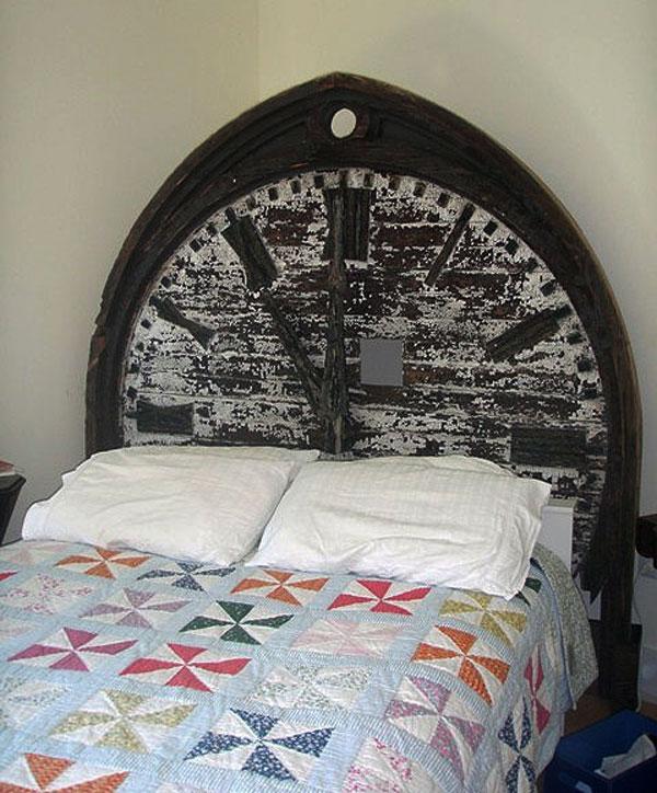 antik-yatak-basligi