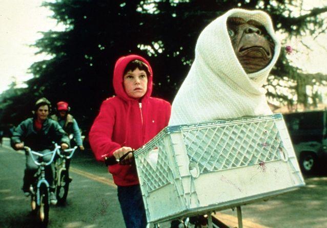 """Kült Filmler Steven Spielberg tarafından """"ET L'extra-terrestre"""""""