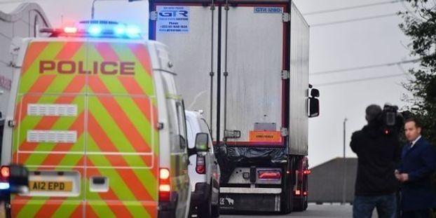 Le chauffeur du camion dans lequel 39 migrants ont été retrouvés morts a été inculpé.