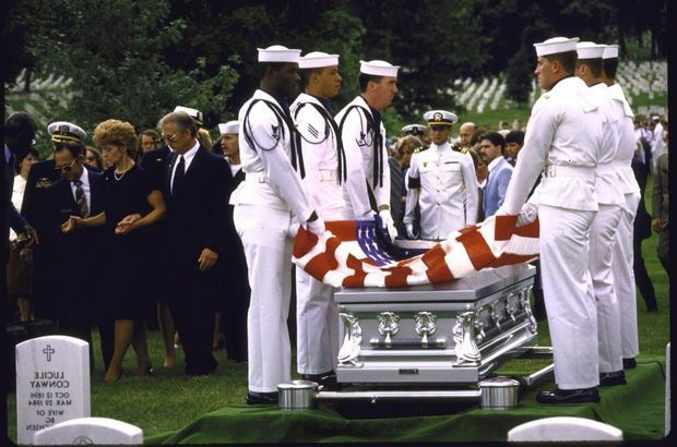 L'enterrement de Robert Stethem au cimetière d'Arlington, en juillet 1985.