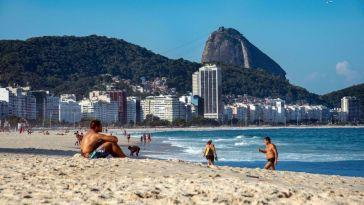 Nouvelles commandes pour Pfizer, Rio rouvre ses plages… le point sur le coronavirus