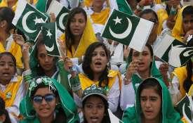 Pakistan withdraws customs duty on import of cotton yarns- India TV Hindi