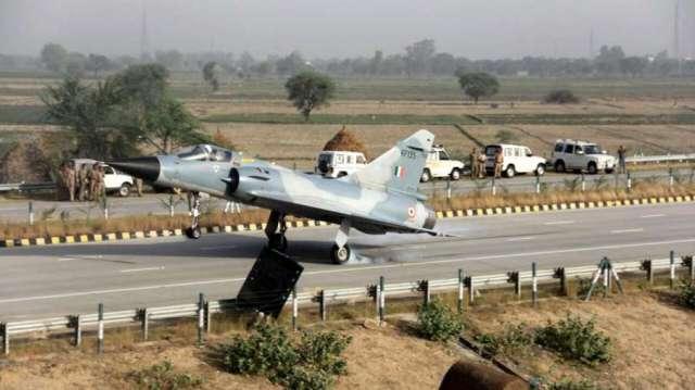 Rajnath Singh Nitin gadkari to land on national highway airforce fighter jet rajasthan bikaner वायुस- India TV Hindi