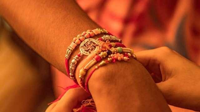 Kalawa, Kalawa students wrists Shahjahanpur, Shahjahanpur VHP Kalawa- India TV Hindi
