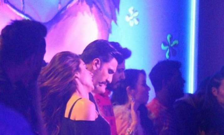 Simmba:RanveerSingh, Sara Ali Khan fire for dance