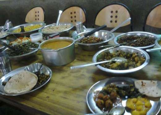 AMU students say being forced to eat vegetarian dishes - India Tv
