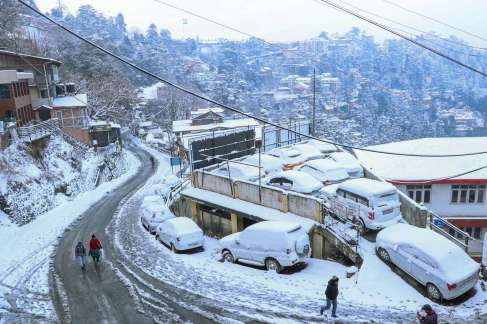 Shimla Snowfall Pictures Photos Videos Himachal pradesh snow tourists These  pics will leave you spellbound | India News – India TV