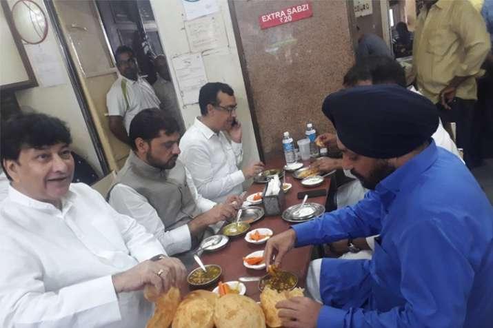Delhi Bjp Claims Congs Maken Lovely Haroon Yusuf Enjoyed Chhole