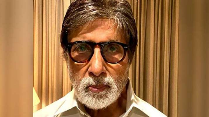 Amitabh Bachchan replies to woman who said she 'totally lost respect' for him