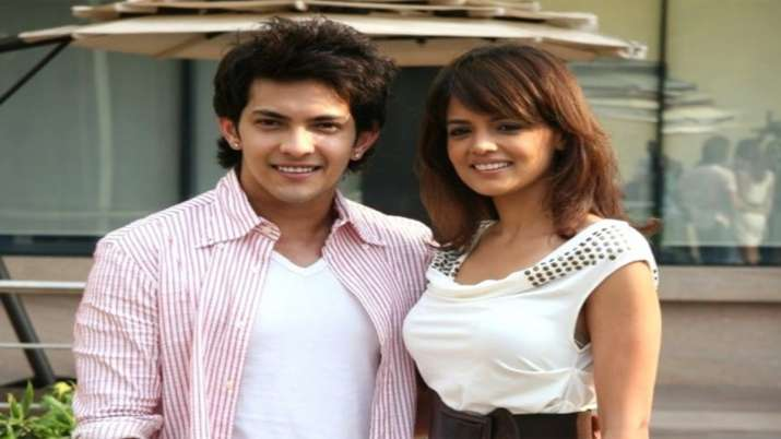 Aditya Narayan and Shweta Agarwal to get married in an intimate temple wedding on December 1