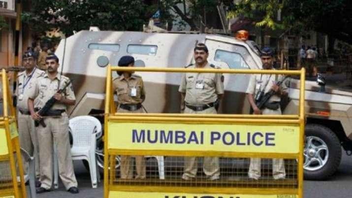 Republic TV, Mumbai Police
