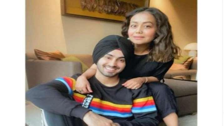 Neha Kakkar makes her relationship with Rohanpreet OFFICIAL, shares photo calling him 'mine'
