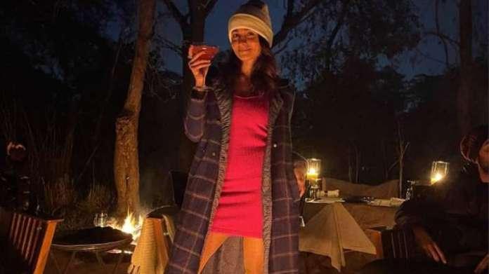 alia 1609412270 नए साल 2021 पर, फसल प्रेमी रणबीर कपूर के साथ आलिया भट्ट ने हंसमुख तस्वीर साझा की