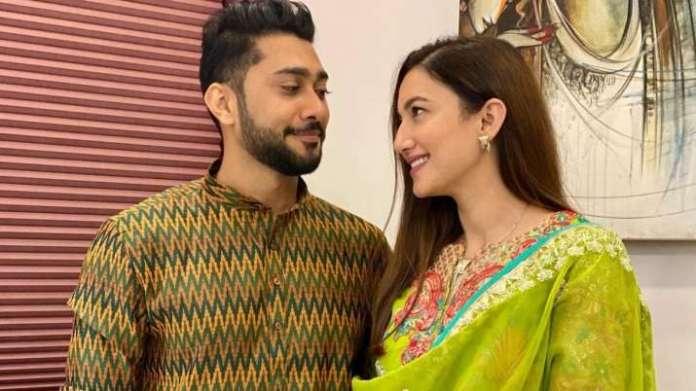 गौहर खान ने ज़ैद दरबार के साथ लॉकडाउन प्रेम कहानी की एनिमेटेड झलक दिखाई।