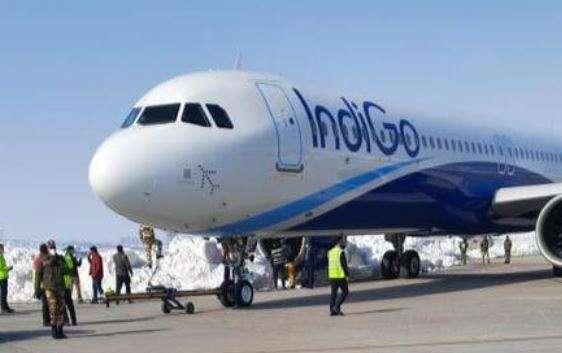 Indigo flight close shave, indigo flight srinagar airport, indigo flight srinagar delhi, indigo flig