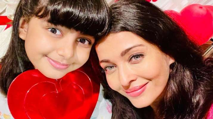 Aishwarya Rai Bachchan shares adorable picture of 'darling angel' Aaradhya, fans in awe of her beaut