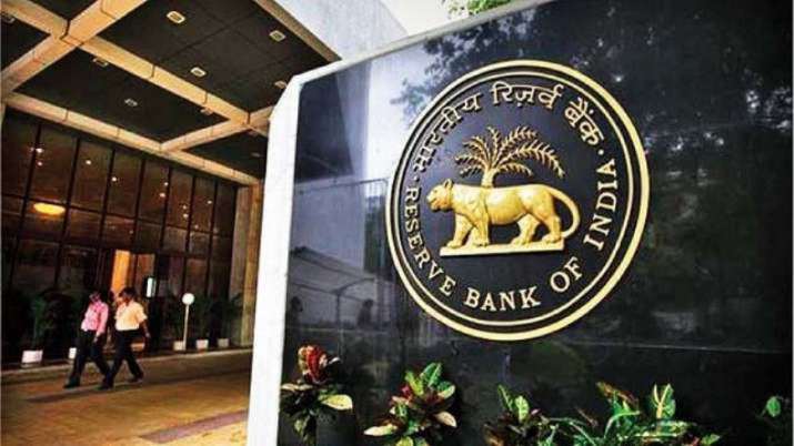 RBI restricts American Express, Diners Club from taking new customers