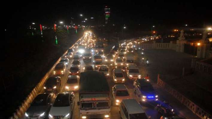 Traffic at a busy road in Noida.