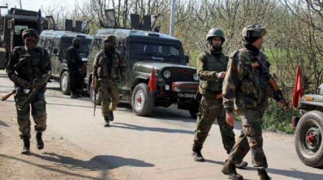 जम्मू कश्मीर के कुलगाम में आतंकियों ने बीएसएफ के काफिले पर हमला किया;  मुठभेड़
