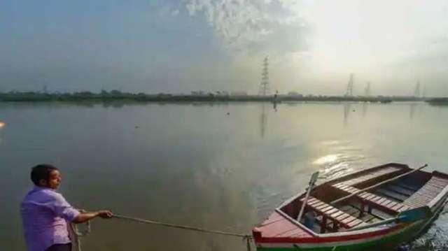 दूषित गोवा नदी