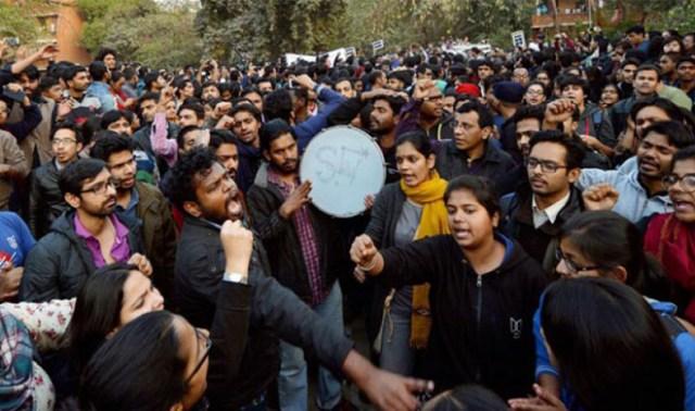 जेएनयू विवाद: सरकार के निपटने के तरीके को लेकर एबीवीपी के तीन कार्यकर्ताओं ने दिया इस्तीफा