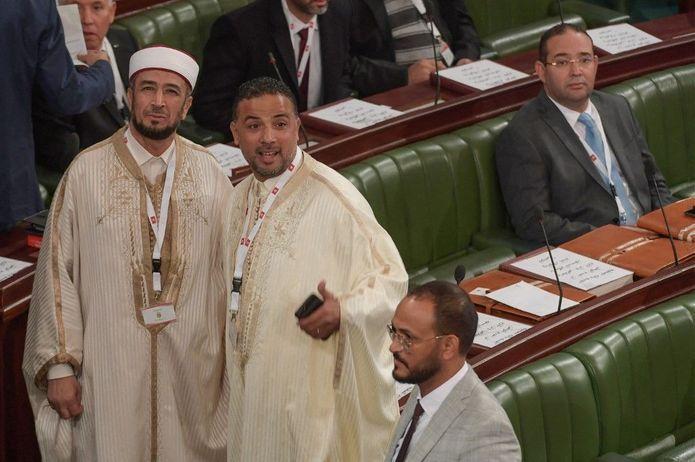 Attentat de Rambouillet : des prédicateurs du djihad au Parlement tunisien