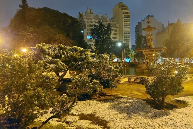 The squares in the heart of Córdoba covered with snow