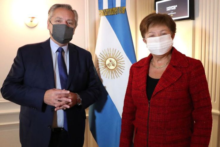 El presidente Alberto Fernández se reunió en Roma con Kristalina Georgieva, titular del Fondo Monetario Internacional (FMI), en el primer encuentro presencial entre ambos.