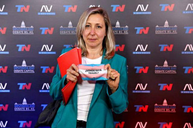 La candidata Myriam Bregman al llegar al debate