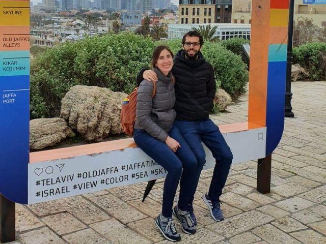 Ariel Rosujovsky tiene 30 años y emigró hacia Israel en 2019 junto a Sabrina, su novia