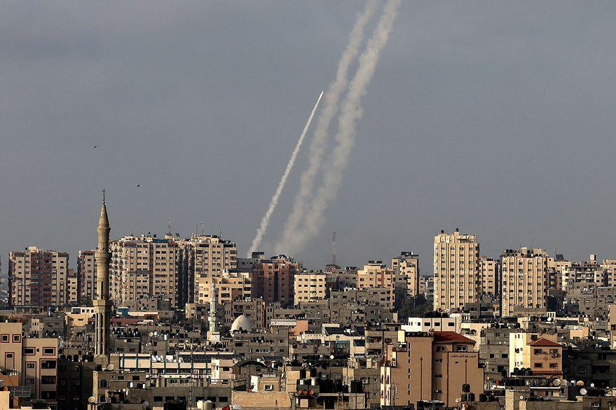 Ataque de Hamas: explosiones estremecen a Jerusalén e Israel contraataca