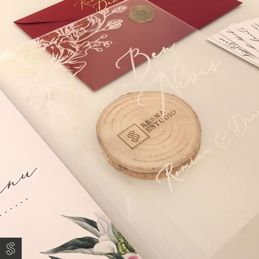 28_invitaciones-de-boda-rojo-mesa-metacrilato