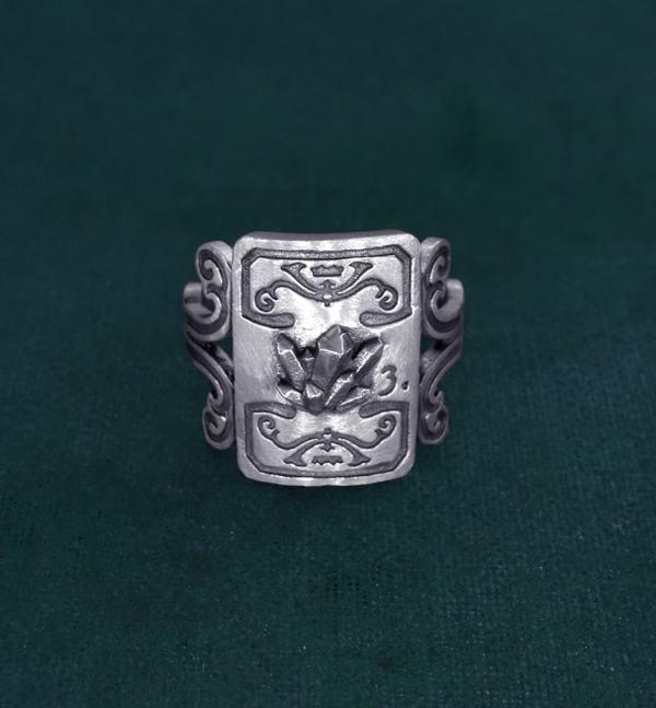 Bague à décors de cristaux et volutes imaginé dans l'esprit minéralogie en argent fabriquée main | Res Mirum