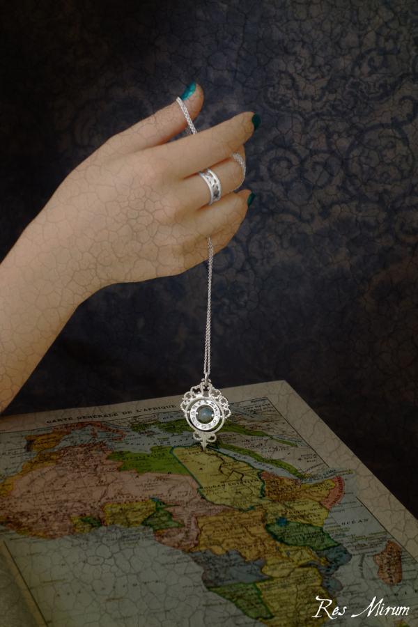 Pendentif retourneur de temps & bague arabesques d'inspiration astronomique ancienne en argent massif fait main | Res Mirum