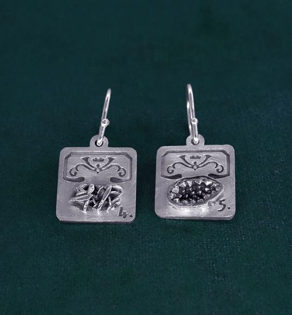 Boucles d'oreilles carrées avec mini géode et rose des sables en argent massif fabriqué artisanalement | Res Mirum