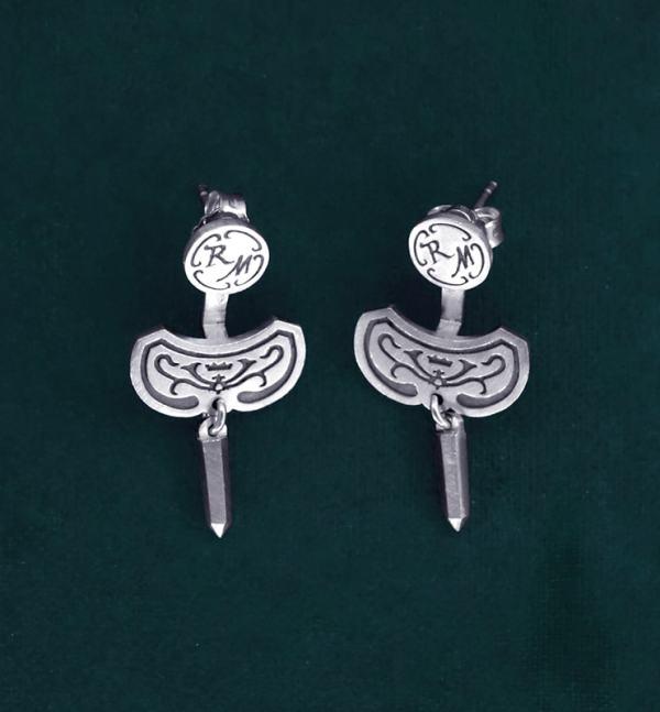 Boucles d'oreilles sous lobe pointe de cristal et arabesques en argent massif fait artisanalement | Res Mirum