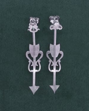 Earrings d'earrings under lobe d'astronomical inspiration, with handcrafted silver sagittarius arrow motifs | Res Mirum