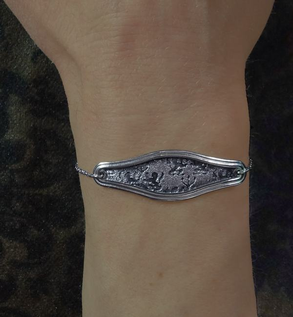 Lions & candle holders patterned bracelet d'lyonnaise inspiration handcrafted in France worn | Res Mirum
